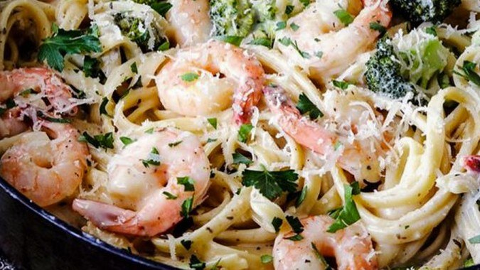 Shrimp & Broccoli Fettuccine Al Limone