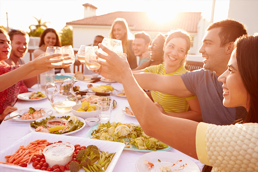 3 Healthy Eating Hacks for Your Summer Party Schedule